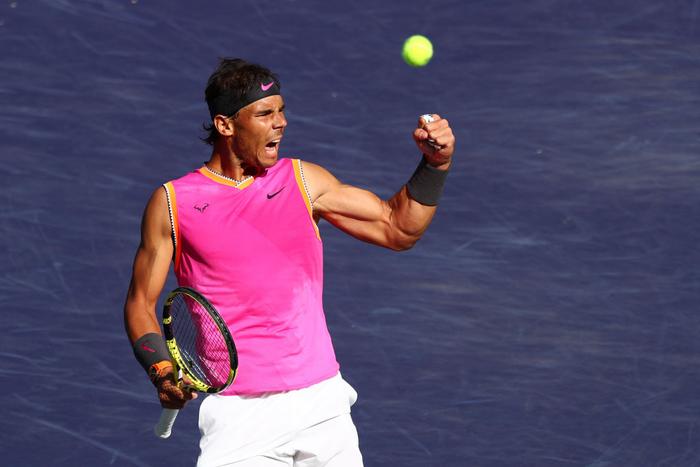 Federer ghi điểm khiến tỷ phú Bill Gates trầm trồ, sẽ đại chiến Nadal ở bán kết Indian Wells - Ảnh 8.