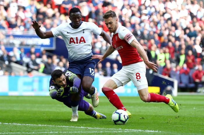 Hai quyết định sai lầm của trọng tài góp phần khiến Arsenal bị chia điểm với Tottenham - Ảnh 10.