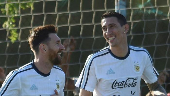 Chiến hữu thân thiết của Messi ở tuyển Argentina bấm thả tim cho siêu phẩm sút xa của Duy Mạnh - Ảnh 3.