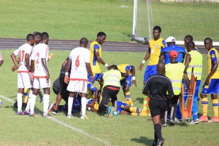 Tiền đạo người Gabon gục chết sau pha tranh chấp với một cầu thủ đối phương - Ảnh 2.