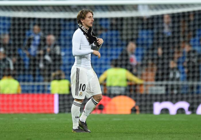 Cầu thủ Real đau đớn, suy sụp trong ngày thua sốc và chính thức bị phế ngôi tại giải đấu danh giá bậc nhất thế giới - Ảnh 6.
