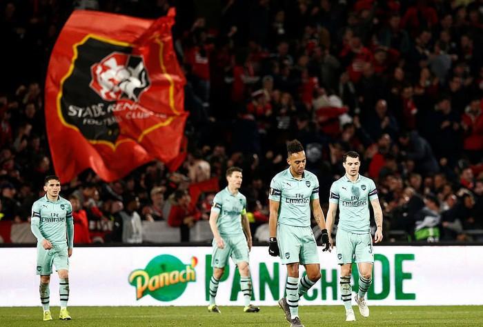 Bước ngoặt tai hại cuối hiệp 1 khiến Arsenal thua thảm ở cúp châu Âu - Ảnh 1.