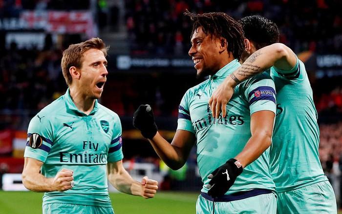 Bước ngoặt tai hại cuối hiệp 1 khiến Arsenal thua thảm ở cúp châu Âu - Ảnh 3.