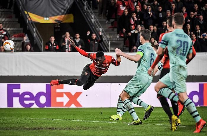Bước ngoặt tai hại cuối hiệp 1 khiến Arsenal thua thảm ở cúp châu Âu - Ảnh 7.
