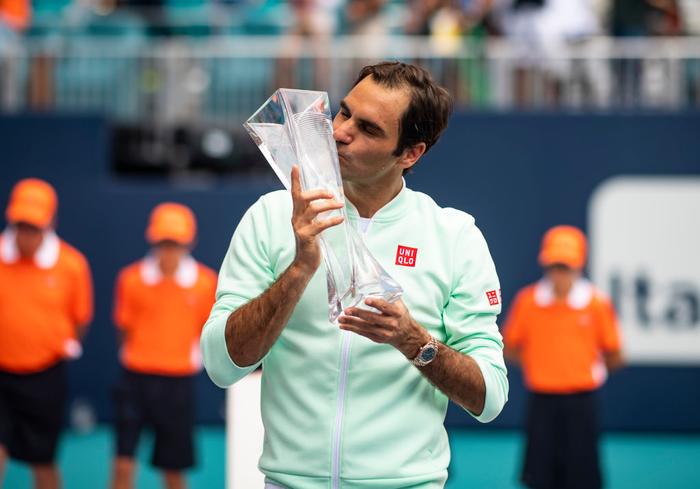 Khiến đương kim vô địch từ bỏ vũ khí, Federer vô địch Miami Open để giành danh hiệu thứ 101 - Ảnh 6.
