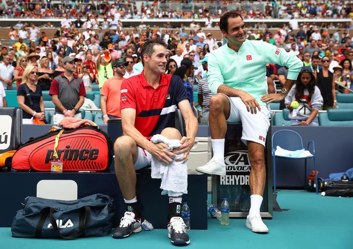 Khiến đương kim vô địch từ bỏ vũ khí, Federer vô địch Miami Open để giành danh hiệu thứ 101 - Ảnh 7.