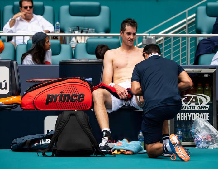 Khiến đương kim vô địch từ bỏ vũ khí, Federer vô địch Miami Open để giành danh hiệu thứ 101 - Ảnh 4.