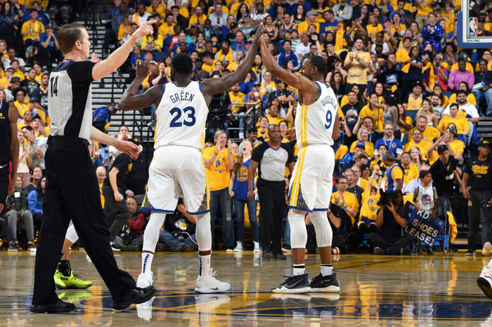 Stephen Curry ném như hack toạ độ, Warriors thắng dễ trước Clippers - Ảnh 2.