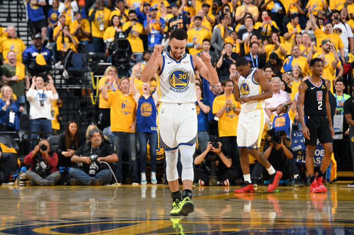 Stephen Curry ném như hack toạ độ, Warriors thắng dễ trước Clippers - Ảnh 1.