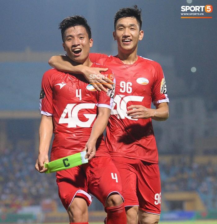 HLV CLB Viettel khen ngợi Trọng Đại sau trận đá chính đầu tiên V.League - Ảnh 2.