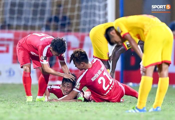 Bùi Tiến Dũng sắm vai người cân team trong chiến thắng thứ hai của Viettel tại V.League 2019 - Ảnh 8.