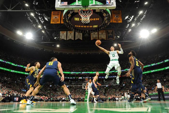 Kyrie Irving và Jayson Tatum lên tiếng giúp Celtics lội ngược dòng kịch tính trước Pacers - Ảnh 3.