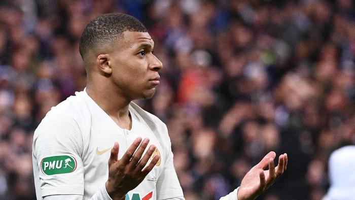 Truyền nhân Quả bóng vàng của Ronaldo và Messi đạp đối thủ ghê rợn, nhận thẻ đỏ ngay lập tức - Ảnh 5.