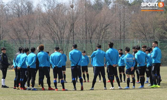 Công Phượng cười thả ga trong buổi tập của Incheon United, sẵn sàng cho lần đá chính tiếp theo ở K.League - Ảnh 2.