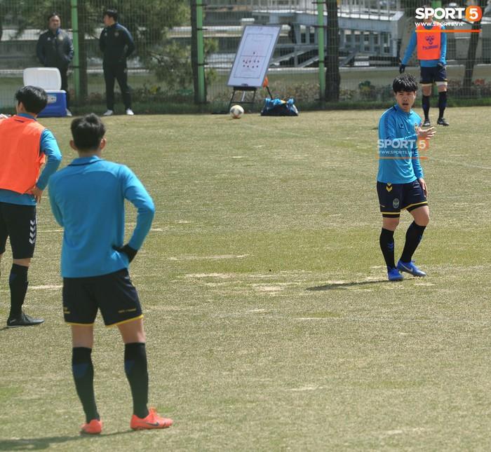 Công Phượng cười thả ga trong buổi tập của Incheon United, sẵn sàng cho lần đá chính tiếp theo ở K.League - Ảnh 13.