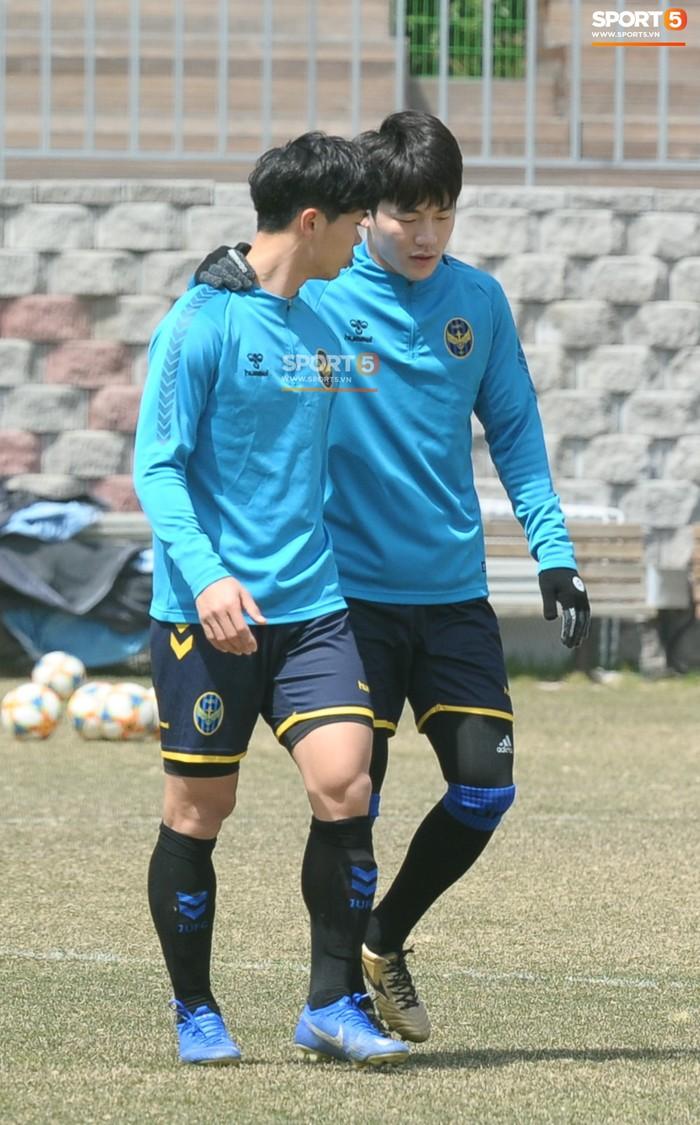 Công Phượng cười thả ga trong buổi tập của Incheon United, sẵn sàng cho lần đá chính tiếp theo ở K.League - Ảnh 14.