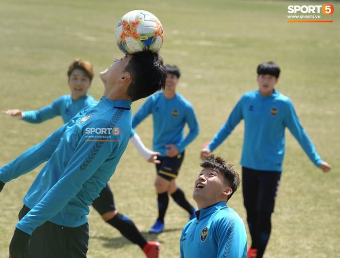 Công Phượng cười thả ga trong buổi tập của Incheon United, sẵn sàng cho lần đá chính tiếp theo ở K.League - Ảnh 10.