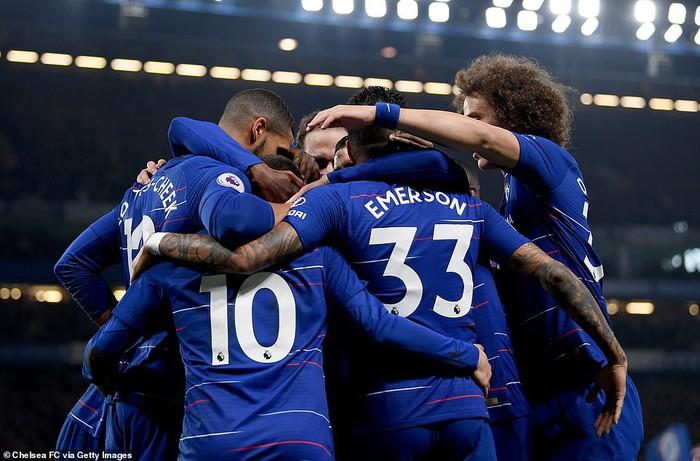 Hazard solo đi bóng ghi bàn đẹp mắt, Chelsea vươn lên vị trí thứ 3 Premier League - Ảnh 7.