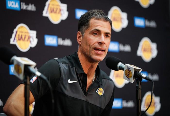 LeBron James, Rob Pelinka và cựu chủ tịch Magic Johnson nói gì về lượt 4 diệu kỳ của Lakers - Ảnh 5.