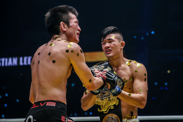 Giành đai vô địch sau thắng lợi đầy cảm xúc, thần đồng MMA châu Á chờ sẵn Martin Nguyễn - Ảnh 9.