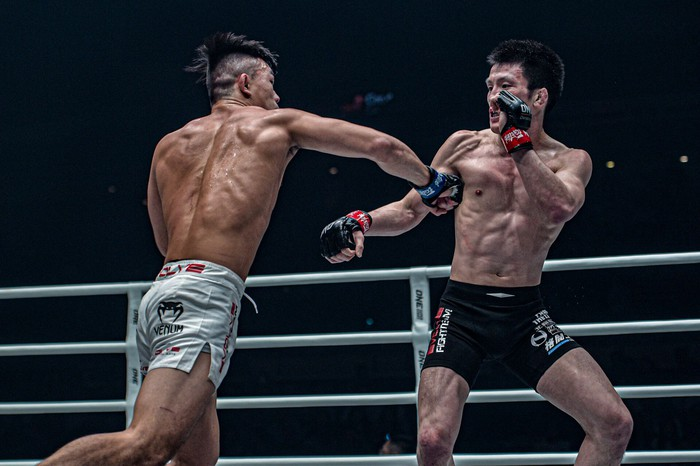 Giành đai vô địch sau thắng lợi đầy cảm xúc, thần đồng MMA châu Á chờ sẵn Martin Nguyễn - Ảnh 6.