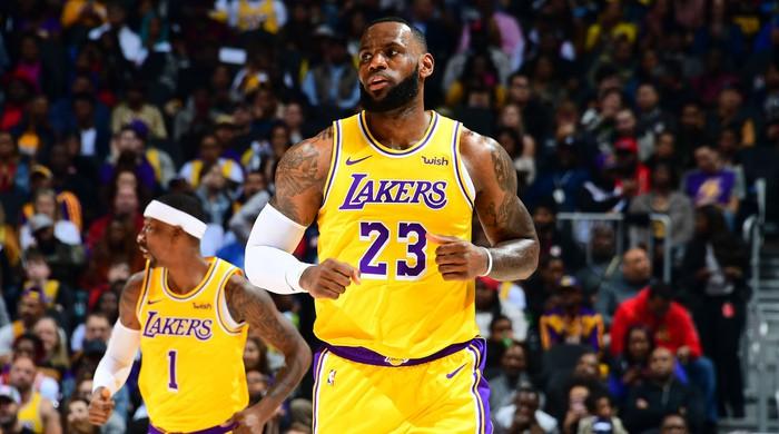 """Top 10 VĐV được trả lương cao nhất: Hô mưa gọi gió tại NBA, LeBron James """"cá kiếm"""" được bao nhiêu? - Ảnh 2."""