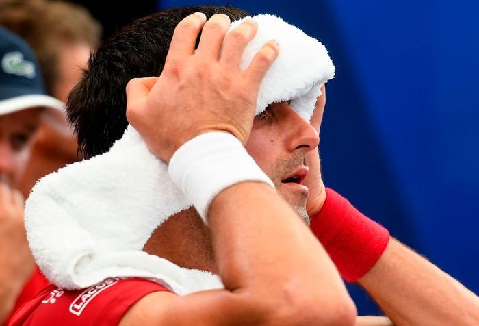 Đáp lời hoa khôi banh nỉ, Djokovic nhận sự cổ vũ cuồng nhiệt để ngược dòng kịch tính giúp Serbia vào bán kết ATP Cup - Ảnh 1.