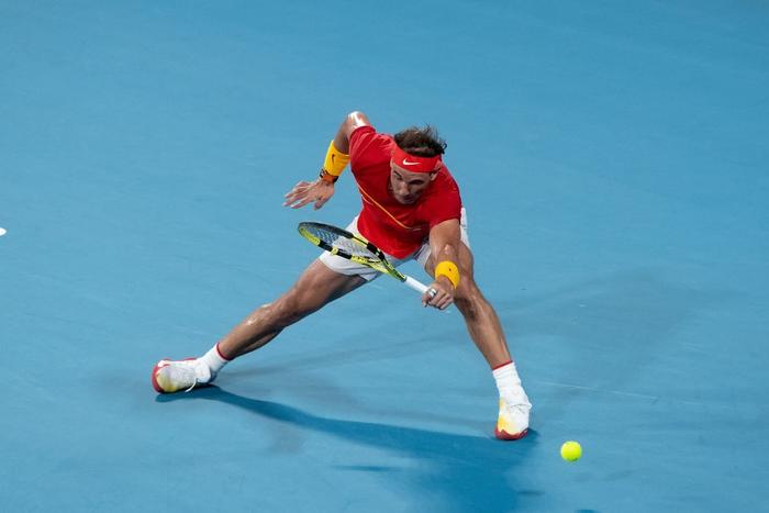 """Nadal """"thoát xác"""" hú vía từ tội đồ hóa người hùng, Tây Ban Nha nhọc nhằn vào bán kết ATP Cup - Ảnh 3."""