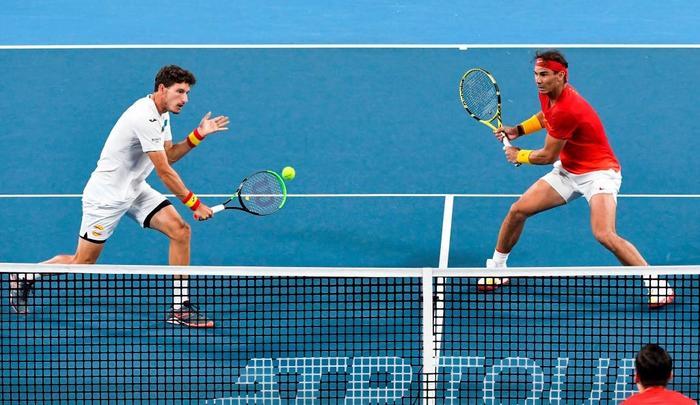"""Nadal """"thoát xác"""" hú vía từ tội đồ hóa người hùng, Tây Ban Nha nhọc nhằn vào bán kết ATP Cup - Ảnh 6."""