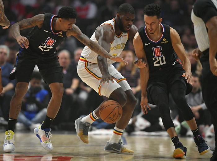 Bị lật ngược thế trận ở hiệp 4, Golden State Warriors nhận thất bại đáng tiếc trước Los Angeles Clippers - Ảnh 2.