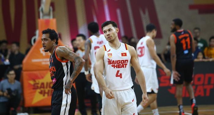 Hành quân đến sân của Macau Black Bears với muôn vàn khó khăn, liệu Saigon Heat có tìm lại được niềm vui chiến thắng? - Ảnh 2.