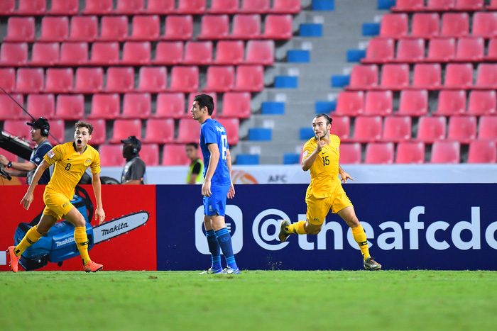 Đánh bại U23 Uzbekistan với tỉ số 1-0, U23 Australia giành vé dự Olympic sau 12 năm chờ đợi - Ảnh 1.