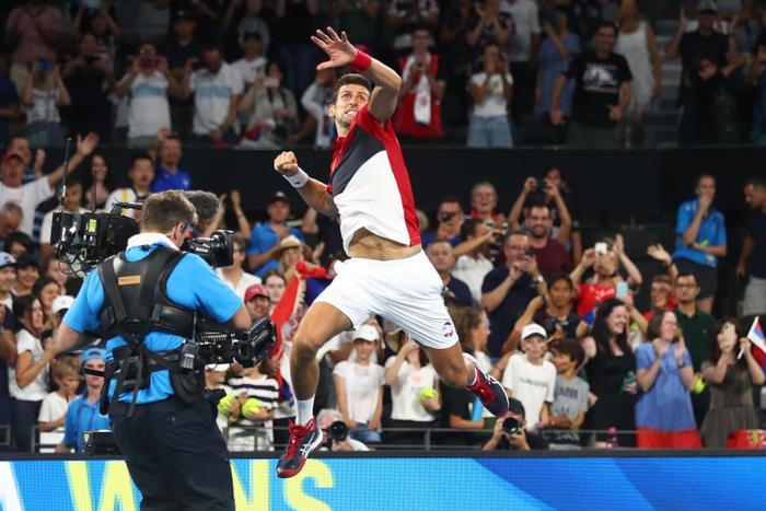 """Nadal và Djokovic """"rủ nhau"""" thắng nhọc ở trận đấu đầu tiên trong năm mới - Ảnh 12."""