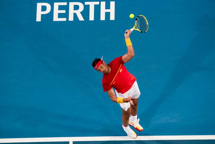"""Nadal và Djokovic """"rủ nhau"""" thắng nhọc ở trận đấu đầu tiên trong năm mới - Ảnh 3."""