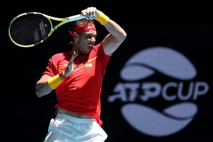 Chẳng tay vợt nào hạnh phúc hơn Nadal hôm nay: Vừa tỏa sáng giúp Tây Ban Nha vào tứ kết ATP Cup, lại ẵm thêm chiếc cúp danh giá - Ảnh 2.