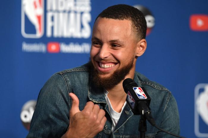 """Ngôi sao bóng rổ Stephen Curry và câu chuyện tình """"cọc đi tìm trâu"""" kéo dài hơn một thập kỷ khiến ai cũng phải ước ao - Ảnh 3."""