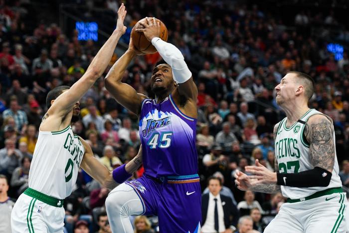 Đối mặt trận đấu back-to-back, Jayson Tatum vẫn dẫn dắt Boston Celtics vượt qua Utah Jazz bằng tinh thần Mamba Mentality bất diệt - Ảnh 2.
