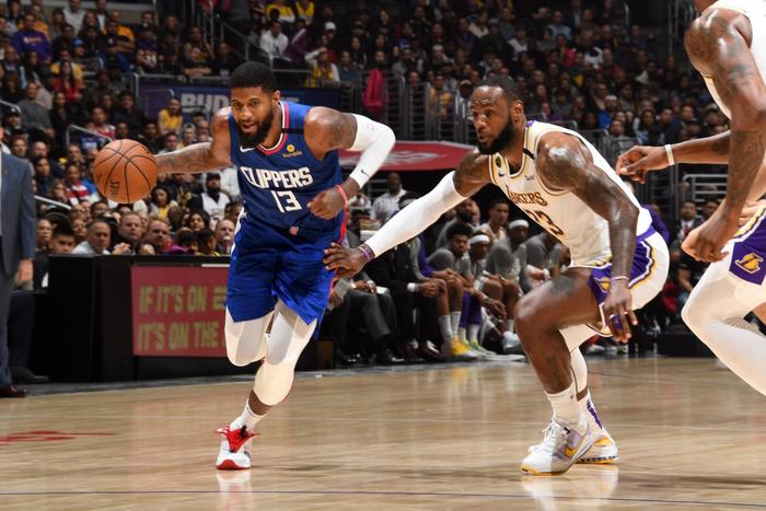"""Thắng thuyết phục Los Angeles Clippers, LeBron James cùng Los Angeles Lakers chứng tỏ đẳng cấp """"Nhà Vua"""" đích thực tại NBA - Ảnh 3."""