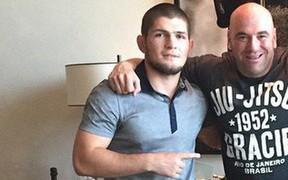 """Màn đối đáp cực hài của ông trùm UFC khi bị """"độc cô cầu bại"""" Khabib dọa đập nát xế hộp"""