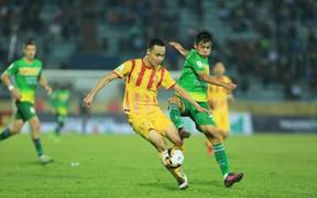 Chung kết ngược Nam Định vs Cần Thơ: Niềm vui và nước mắt