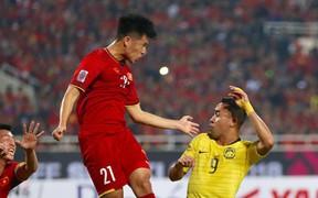 Đình Trọng bị gặp chấn thương lạ ở bàn chân sau khi vô địch AFF Cup 2018