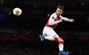 Thiên vị Chelsea: UEFA bắt Arsenal phải đá giờ cực xấu, nguy cơ lỗ nặng vì thiếu fan đến sân