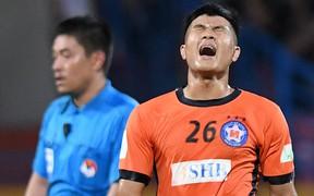 Dẫn trước 2 lần, Hà Đức Chinh vẫn trắng tay khi gặp các đồng đội U23 ở CLB Hà Nội
