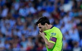 HLV Barca nói gì sau khi các học trò để đối thủ ngược dòng trong 1 phút?
