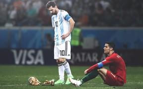 Ronaldo, Messi bất ngờ bị cầu thủ vô danh hạ bệ