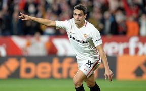 """Tiền đạo Sevilla ăn mừng cảm động sau khi """"xé lưới"""" Barca"""