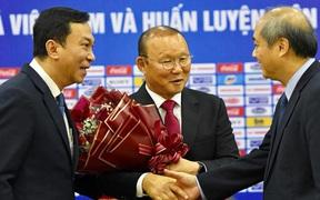 """Báo Indonesia gọi sự kiện HLV Park Hang-seo gia hạn hợp đồng với VFF là """"cơn ác mộng cho các đội bóng khu vực"""""""