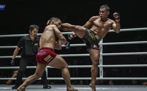 Tung đòn chân trời giáng, võ sĩ Philippines cho đối thủ đổ gục bất động