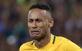 Sau thời Pele, dân Brazil còn không thèm xếp Neymar vào top 10 cầu thủ vĩ đại nhất