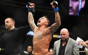Hậu lùm xùm McGregor và Nurmagomedov, hạng nhẹ của UFC chính thức tìm ra nhà vua mới